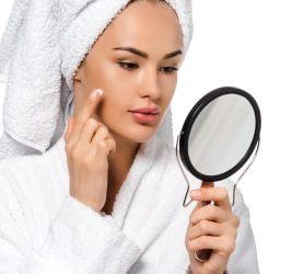 La pulizia del viso dall'estetista: perchè la devo fare?